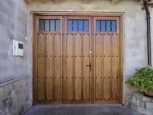 barnizado de puerta de garaje en Guipuzkoa